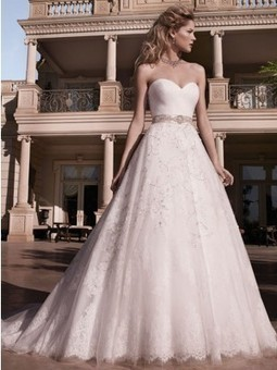 Casablanca 2136 | Bridal Fashions | Scoop.it
