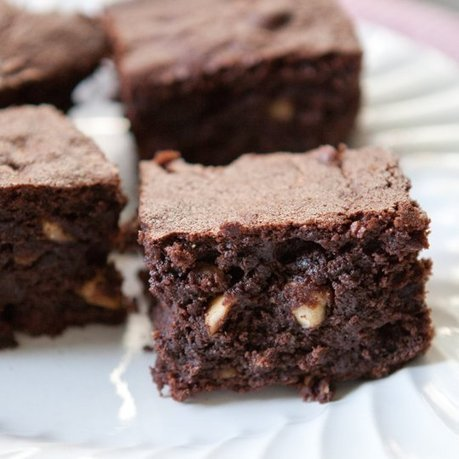 Fudgy Hazelnut Rye Brownies | MakeYourRecipes | Recipes | Scoop.it