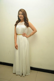 Tollyscreen: Rashi Khanna Latest Stills HD in white Dress | Tollyscreen | Scoop.it
