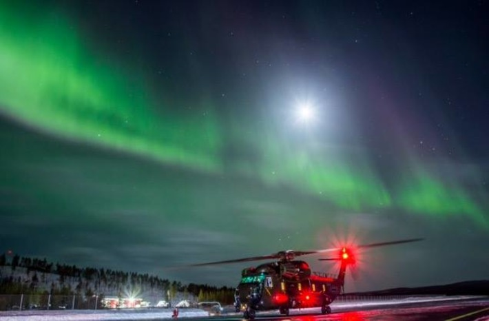 Vertical Magazine Photo Contest - Sikorsky CH-53GA under Northern Lights | D-FENS | Scoop.it