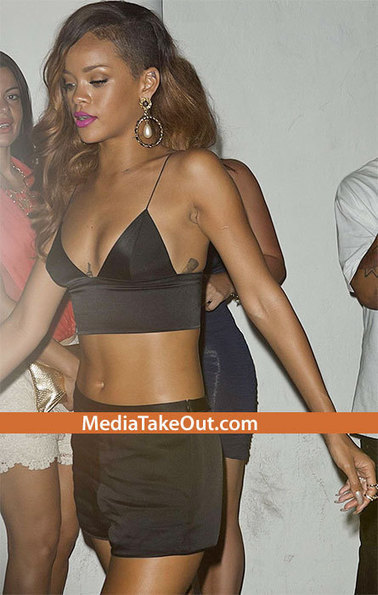 Rihanna Gets TURN'T UP At Magic City . . . Tosses $1000 On Stage . .. To GYRATING SKRIPPERS!!! - MediaTakeOut.com™ 2013 | GetAtMe | Scoop.it