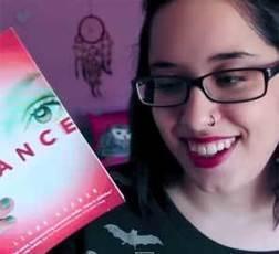 Booktubers en español: jóvenes recomendando libros en Youtube   Blogs para la lectura   Scoop.it