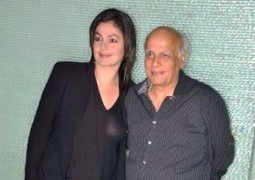 Mahesh and Pooja Bhatt Moved by New Play | Celebgaz | Scoop.it