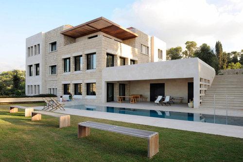 Villa yarze par ra d abillama architects liban for Architecture maison traditionnelle libanaise