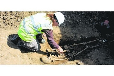 Spectacular skeleton excavation in Caistor could yet prove sensational | Ancient History- New Horizons | Scoop.it