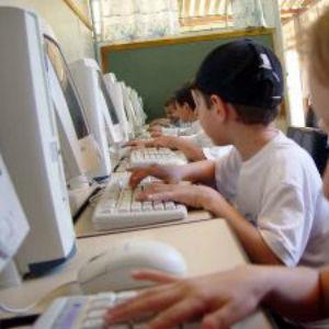 UE quer reforço no ensino de competências na área das TI | marked for sharing | Scoop.it