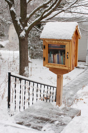 Book It: Bring a Mini Library to Your Front Yard | Information Literacy High School | Scoop.it