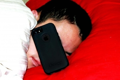 23 Signs You're Addicted To Your Smartphone | Leadership Advice & Tips | Scoop.it
