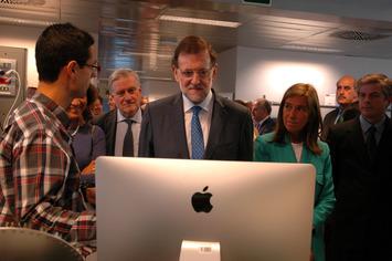 Rajoy pisa por primera vez un centro científico tras dos años y medio como presidente - Materia | Partido Popular, una visión crítica | Scoop.it