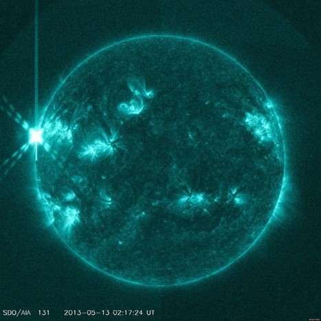 Massive Solar Flare Sparks Radio Blackout   Planets, Stars, rockets and Space   Scoop.it