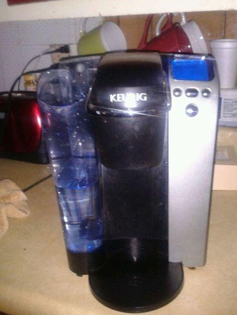 KEURIG SINGLE CUP BREWING SYSTEM COFFEE MAKER. B77 w/ K cup | Debbies Favorite Items | Scoop.it