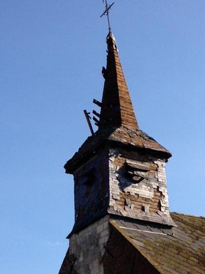 La foudre est tombée lundi sur le clocher de l'église d'Aumerval - La Voix du Nord | Ineffabilis Deus | Scoop.it