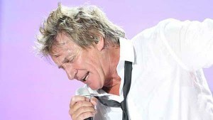 New Albums Review: Rod Stewart – Merry Christmas, Baby   News From Stirring Trouble Internationally   Scoop.it