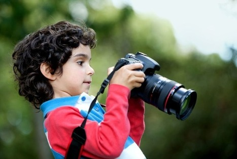 Are You Holding Your Camera Correctly? | Photography Tips & Tutorials | Scoop.it