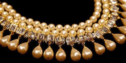Vente aux enchères de bijoux Chanel, des années 1950 à nos jours | Les Gentils PariZiens : style & art de vivre | Scoop.it
