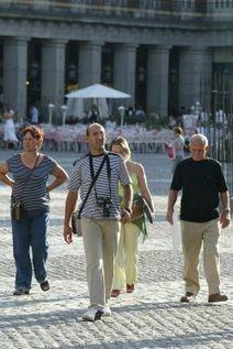 El repunte del turismo nacional anticipa una temporada alta récord - Cinco Días   turismo en álava   Scoop.it