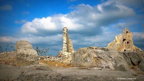 Tempesta in arrivo sui resti di Gessopalena vecchia - concorso fotografico | Italica | Scoop.it