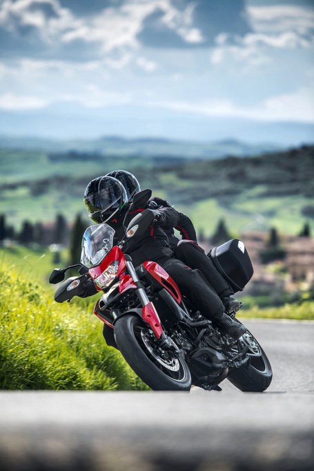2013 Ducati Hyperstrada Gallery | Desmopro News | Scoop.it