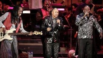 Review: Earth, Wind & Fire celebrate the season at the Hollywood Bowl - Los Angeles Times | CLOVER ENTERPRISES ''THE ENTERTAINMENT OF CHOICE'' | Scoop.it