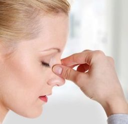 Allergy Season: 4 Ways To Ease Your Fight With The Sniffles | Home Remedies | Scoop.it