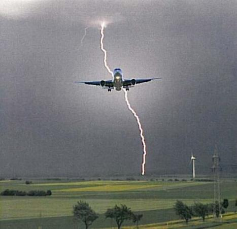 Lightning strike protection strategies for composite aircraft : CompositesWorld | Aerospace Innovation & Technology | Scoop.it