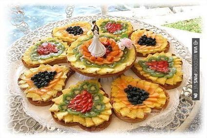 Wedding Food Ideas - Beautiful #wedding food serving style | wedding pictures | Scoop.it