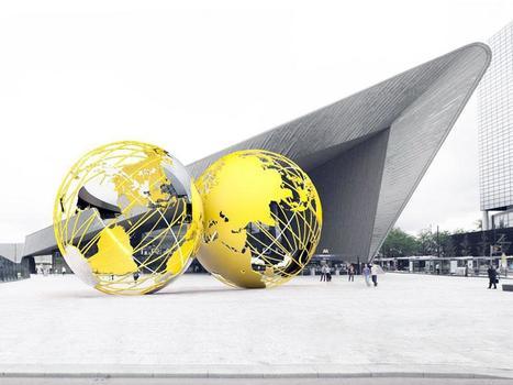 Gele wereldbollen op plein Rotterdam Centraal   Creative Feeds   Scoop.it