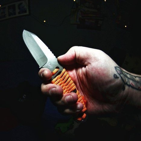 Bear Grylls Paracord Fixed Blade Knife by Gerber - $35 | Couteaux et humains | Scoop.it