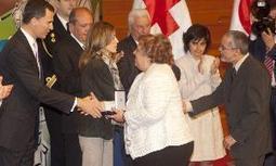 Los Príncipes de Asturias entregan la medalla de oro de Cruz Roja a una familia vallisoletana | Mexicanos en Castilla y Leon | Scoop.it