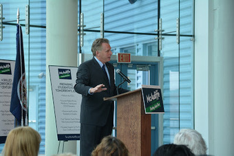 Virginia's McAuliffe boosts Wallops Island commercial spaceport in gubernatorial bid | Spaceports | testing scoop.it | Scoop.it