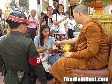 Buddhism in Thailand as Foreigner's eyes | Online Buddhism | Scoop.it