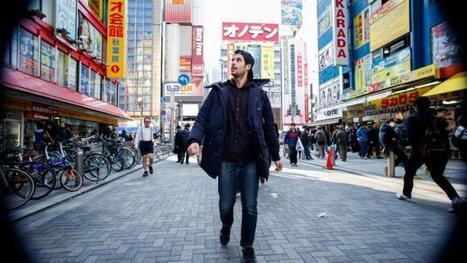 Il se filme en train de marcher à l'envers dans Tokyo, puis monte la vidéo à l'envers | VoyagerLoin.com | Perso | Scoop.it