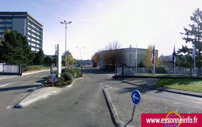 Alcatel supprime 1353 postes en France   Essonne Info - Le Web ...   TELECOMS & NUMERIQUE   Scoop.it