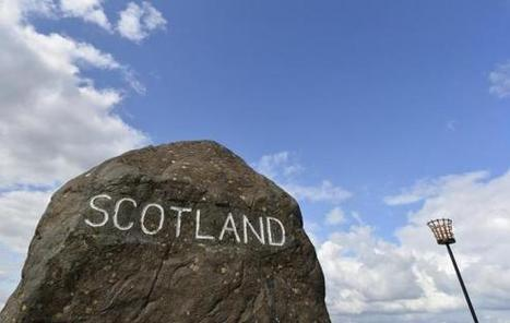 Battle over Scottish independence slightly tightens in new poll - Reuters UK | My Scotland | Scoop.it