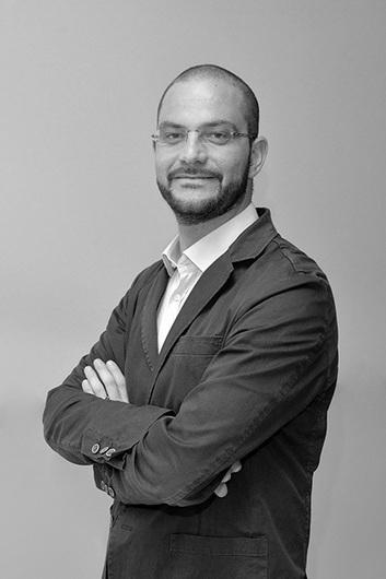 #BuzzCustomer: Davide Basile from Original Marines | Social Media Consultant 2012 | Scoop.it