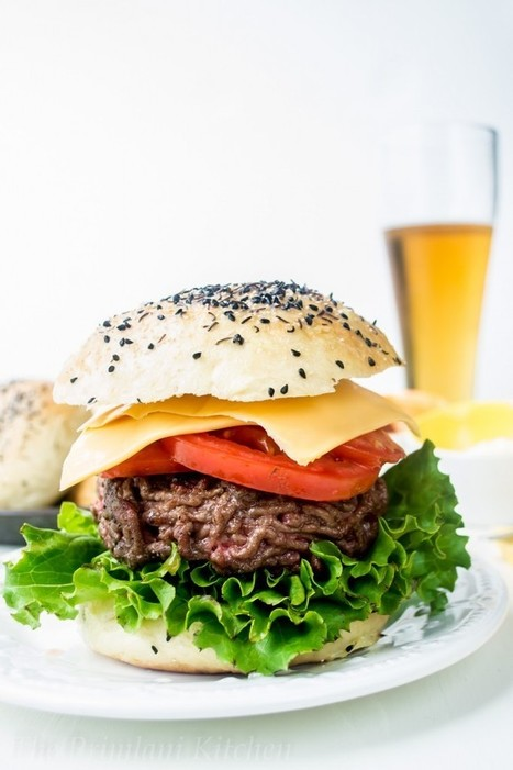 Homemade Burger Buns | The Primlani Kitchen | Annie Haven | Haven Brand | Scoop.it