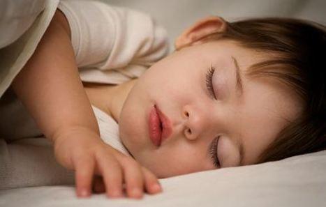 How to Wake Up a Sleeping Baby For Feeding   Health and Sleep   Scoop.it