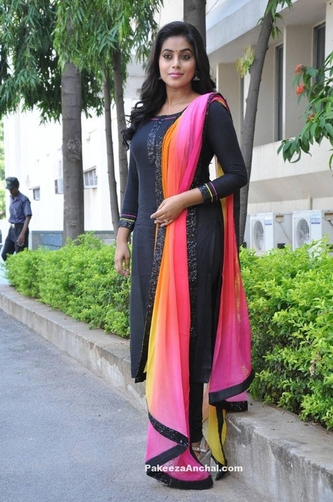 Actress Poorna In Black Plain Churidar Salwar Kameez With