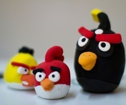 Angry Birds crashes onto Facebook a day early, available to play now   SM   Scoop.it