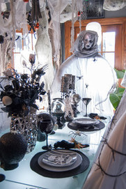 See a Shockingly Stylish Halloween Home | Art | Scoop.it