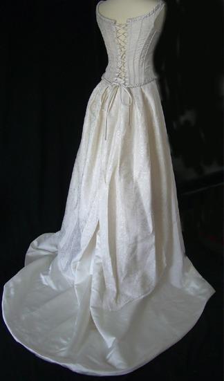 Annonce : Robe de mariée Pronovia originale occasion pas cher - Languedoc Roussillon - Hérault - Occasion du mariage   toujoursalamode   Scoop.it