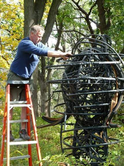 Fontenelle Forest provides the backdrop for artist's outdoor sculptures - Omaha World-Herald | Creative Art and Nature | Scoop.it