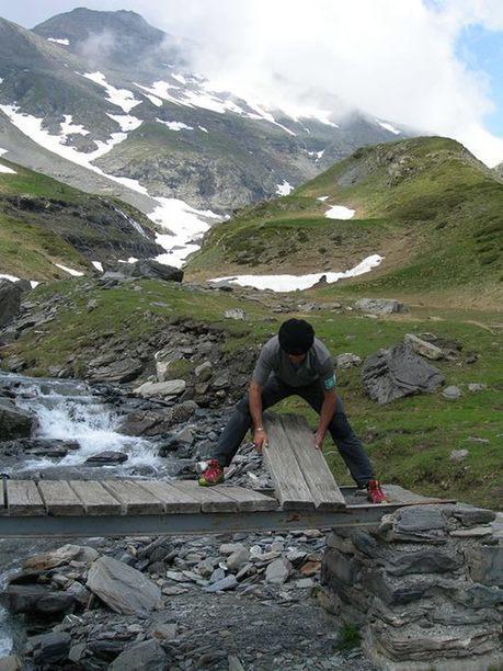Réfection des sentiers par les gardes-moniteurs - Parc national des Pyrénées   Facebook   Vallée d'Aure - Pyrénées   Scoop.it