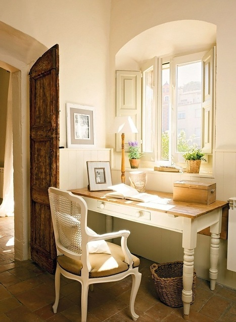 Suzy q, better decorating bible, blog, ideas, French, provincial, provence, décor, decorating, rustic, wooden, chairs, dining table, red brick, roof, Mediterranean, style, blue slipcover, carpet, e... | Home Decor | Scoop.it