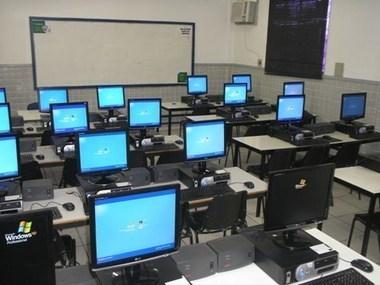 Escolas só usam computadores nas aulas de informática | Universoneo | #TIAEBrasil | Scoop.it