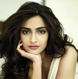 Sonam Kapoor says she is single | Info Online Pages | Tollywood Movies | Tollywood News | Scoop.it