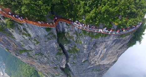 Terrifying 4,600ft Glass Walkway Opens In China, And Just Looking At The Pics Will Give You Vertigo | Xposed | Scoop.it