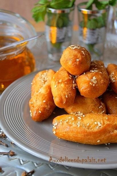 Beignet algérien au miel Sbiaat Laaroussa | Gâteaux algériens modernes & traditionnels | Scoop.it