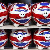 Au Royaume-Uni, un rebond spectaculaire, des bases fragiles - Le Monde | English international news | Scoop.it
