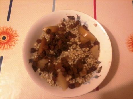 Poslastica od heljde, meda, jabuka i suvog grožđa | КУВАР | Scoop.it